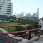 puente sobre la avenida Balboa