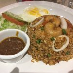 Tom yum fried rice (spicy)