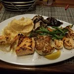 Ultimate Mixed Grill Stuffed Shrimp / Grilled Shrimp / Crab Cake / Grilled Salmon