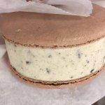 Oreo macaron ice cream sandwich -- AMAZING