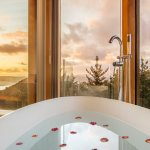 Bath with a wrap-around view