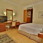 Trident, Cochin- Deluxe Suite Bedroom