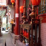 Photo de Red Lantern House