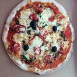 Napolitano Pizza...with fresh Basil and black olives! Delicious!