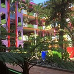 El conjunto de cocos 1 ofrece un acogedor lugar con 5 pisos e internet gratuito en esta zona