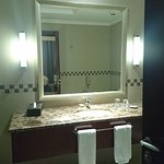 Bathroom adjoing the room