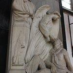 Thomas Ferres statue (top)