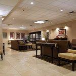 Photo de Holiday Inn Hotel & Suites Boston-Peabody