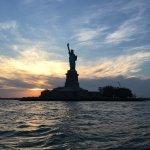 Foto de New York Media Boat / Adventure Sightseeing Tours