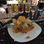 Bratwurst slider & beer flight