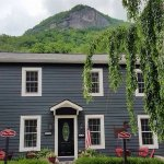 Photo de River House at Chimney Rock