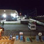 Photo de Days Inn & Suites Galveston West/Seawall