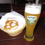 Brezen and Wheatbeer at Wirtshaus Ayingers - Munich (18/May/17).