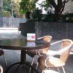 館内のオープンカフェ