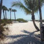 Path from Tropical Beach Resprt to Cresent Beach