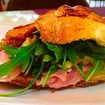 Croissant with ham&chesse