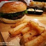 ภาพถ่ายของ Burger Bro