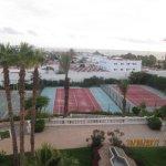 les cours de tennis vue des chambres