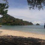 Photo de Sylvia Resort Komodo