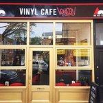 תמונה של Big Red Tent Vinyl Cafe