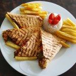 Pinokyo Restaurant Cafe & Bar