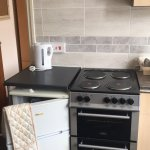 Flat 3 new cooker and re tiled for a more modern feel.