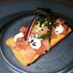 Bocado inédito hasta ahora , tartar de atún, mayonesa de Lima y alga wakame. 😋😋😋