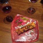 Гранатовое вино и шашлык из курицы с соленьями