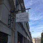 Photo de Hôtel Jean Moët