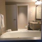 Foto de DoubleTree Fallsview Resort & Spa by Hilton - Niagara Falls