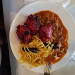 Tandoori chicken, chicken curry, vegetable noodles and a repeat of mushroom masala