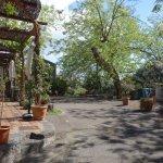 La terrasse commune et l'accès au jardin