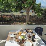 Photo de Olive Tree Apartments