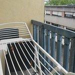 le balcon avec le clocher de la gare ( proche)