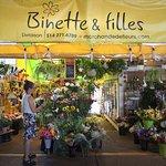 Boutique de fleurs au marché Jean-Talon