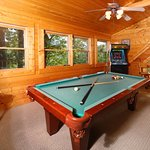 Smoky Top, Loft with Pool Table and Arcade Game