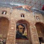 Foto di Teatro-Museo Dalí