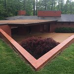 Foto di Frank Lloyd Wright House in Ebsworth Park