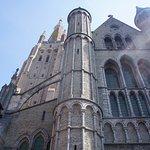 Foto de Holy Savior Cathedral (Sint-Salvatorskathedraal)