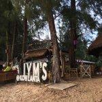 Photo de Lym's Bar & Restaurant