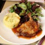 Le canard était cuit à point, très goûteux et même la salade était super bonne !