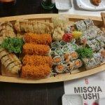 Sushi Boat os Deliciousness