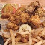 Shrimp-Oyster Po'boy