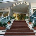 Photo de Hotel Astra