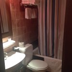 En suite bathroom - room 210
