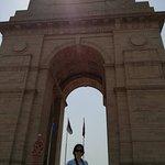 India gate sunlight