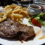 Un bon steack frites traditionnel