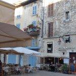 Petite place centre historique de Vence
