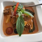 gaeng phed ped yang - delicious duck curry