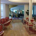 Photo de Hotel Bristol Buja